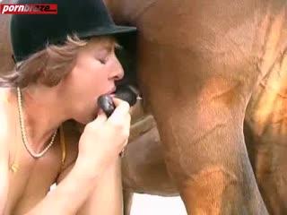 Horse woman fucks Horse fucks